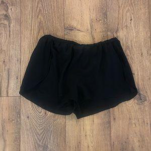 Aritzia - Wilfred 100% Silk Shorts